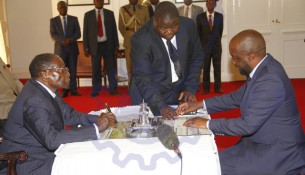 President-Mugabe-swearing-in-Masvingo-Minister-of-State-Paul-Chimedza-at-State-house-yesterday.-Picture-by-John-Manzongo